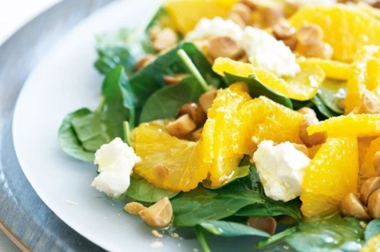baby-spinach-orange-and-macadamia-salad-24710-1